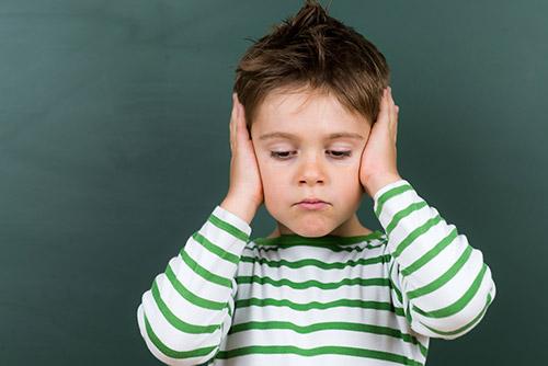 I bambini che sentono poco si stancano prima | Udito Romagna